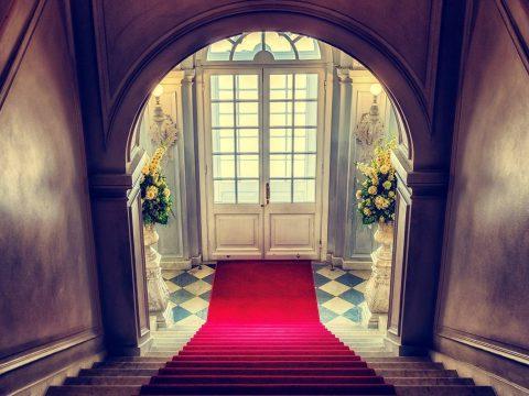 Jak obliczyć ilość wykładziny na schody