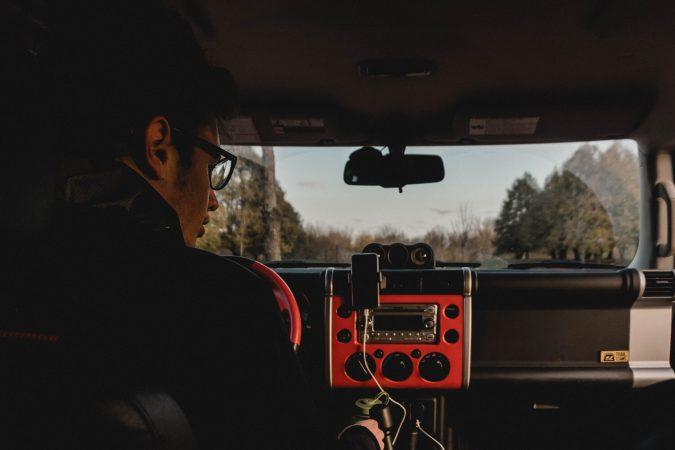 Jak podłączyć radio z androidem?